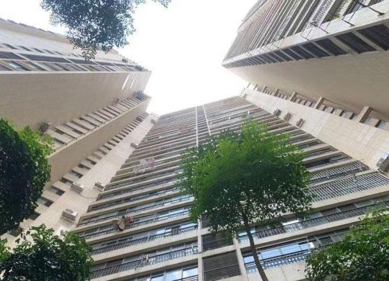 柳州多个小区突发停电 有居民被困电梯均获救
